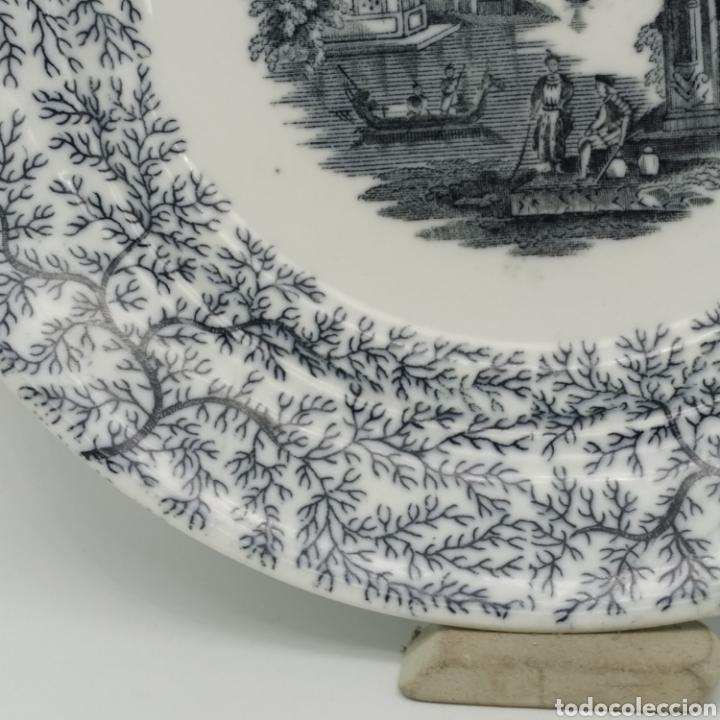Antigüedades: Plato hondo PICKMAN, Cartuja de Sevilla, escena oriental y enramado, sello de años 1880 a 1910 - Foto 14 - 284618923
