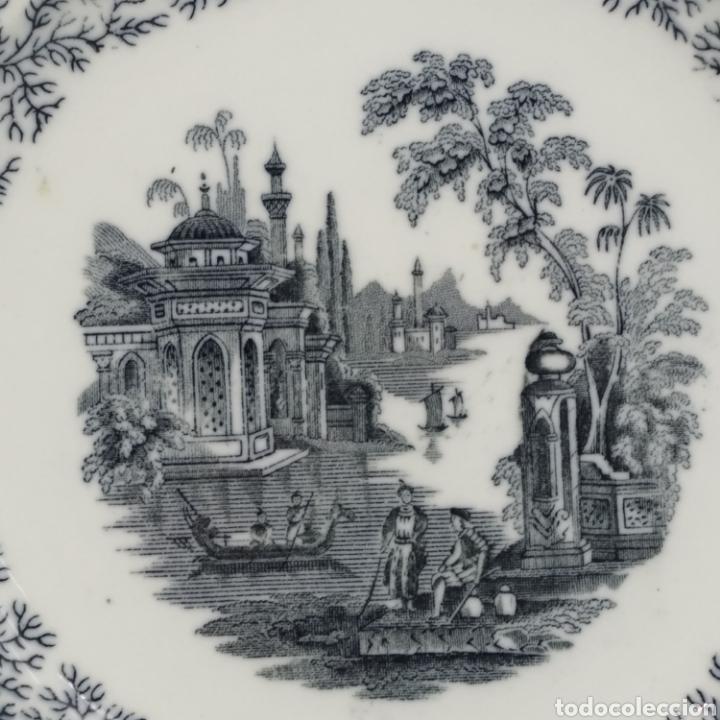 Antigüedades: Plato hondo PICKMAN, Cartuja de Sevilla, escena oriental y enramado, sello de años 1880 a 1910 - Foto 5 - 284618923