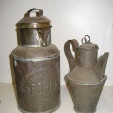 Antigüedades: 2 ACEITERA METALICA . ACEITE PURO OLIVA PORCAR TORTOSA . ALTURA - 26 CM - 19CM. Lote 284658683