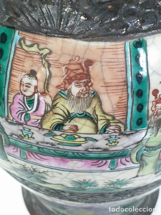 Antigüedades: Antiguo Jarrón en Porcelana China - Canton- Decorado en Craquele y Personajes - Finales S. XIX - Foto 3 - 284714318