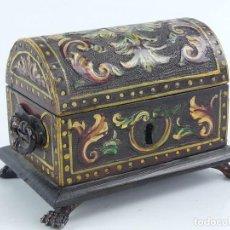 Antigüedades: ANTIGUA CAJA DE MADERA ESTILO MEDIEVAL EXCELENTE OBJETO DE DECORACION. Lote 284721443