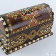 Antigüedades: CAJA COFRE JOYERO DE MADERA GRANADINA. Lote 284724253