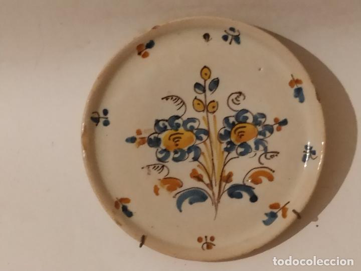 PLATO CERÁMICA PUENTE DEL ARZOBISPO (TOLEDO) CON RAMO S. XIX (Antigüedades - Porcelanas y Cerámicas - Puente del Arzobispo )