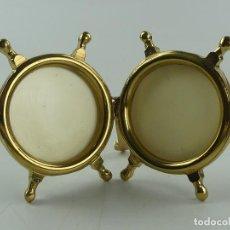 Antiquités: INTERESANTE PORTAFOTOS SOBREMESA DE BRONCE FORMA DE TIMONES. Lote 284750463