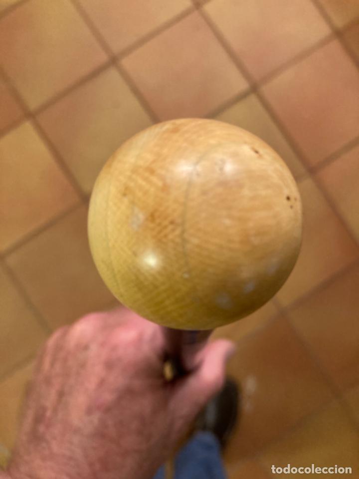 Antigüedades: Bastón antiguo de paseo, puño bola marfil sobre cuello metal. Caña madera ébano o similar ebonizada. - Foto 2 - 284762873