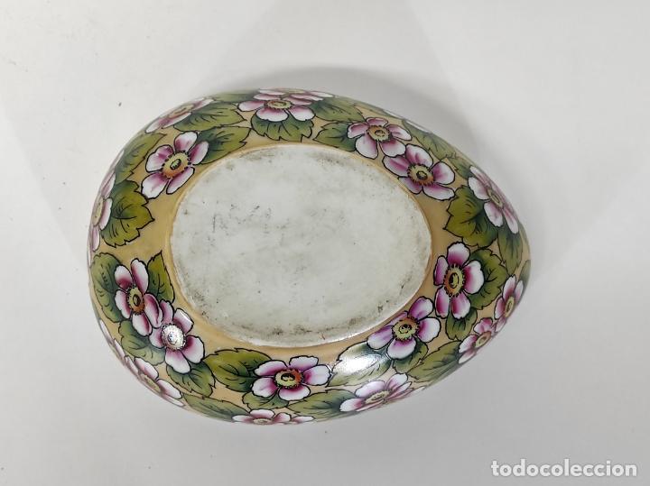 Antigüedades: Antigua Cajita en forma de Huevo - Porcelana de Biscuit - con Bonita Decoración - S. XIX - Foto 8 - 284776473