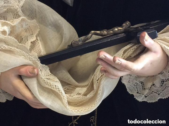 Antigüedades: Virgen Dolorosa con Urna ,Cap i Pota, talla Policromada ,vestido y manto bordado -Siglo XIX-Alt 90cm - Foto 8 - 284838888
