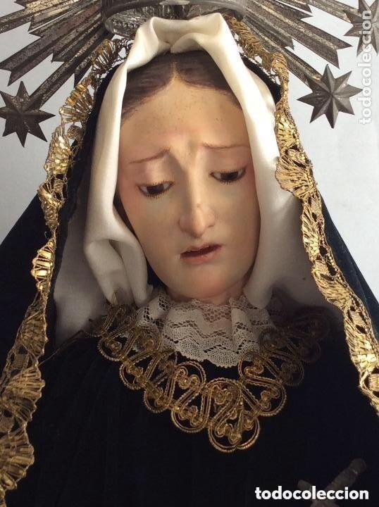 Antigüedades: Virgen Dolorosa con Urna ,Cap i Pota, talla Policromada ,vestido y manto bordado -Siglo XIX-Alt 90cm - Foto 9 - 284838888