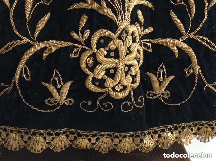 Antigüedades: Virgen Dolorosa con Urna ,Cap i Pota, talla Policromada ,vestido y manto bordado -Siglo XIX-Alt 90cm - Foto 11 - 284838888