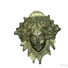 Antiquités: BROCHE ANTIGUO DE LATON VERSAGE MEDUZA. Lote 285043603