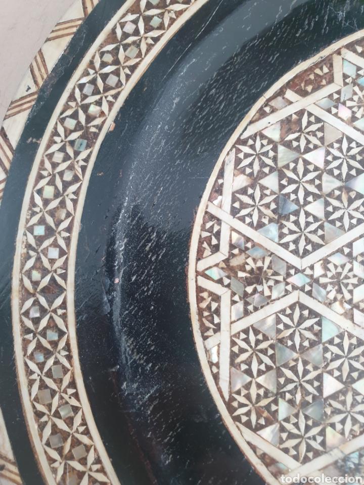 Antigüedades: PLATO MADERA INCRUSTACIONES HUESO Y NACAR EGIPTO S.XX - Foto 4 - 250169850