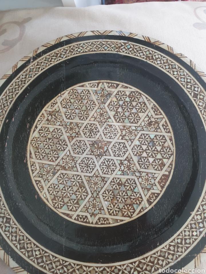 Antigüedades: PLATO MADERA INCRUSTACIONES HUESO Y NACAR EGIPTO S.XX - Foto 5 - 250169850