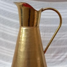 Antigüedades: JARRA GRANDE CON ASA EN LATON - FLORERO - BASTONERO - PARAGUERO.. Lote 285096488