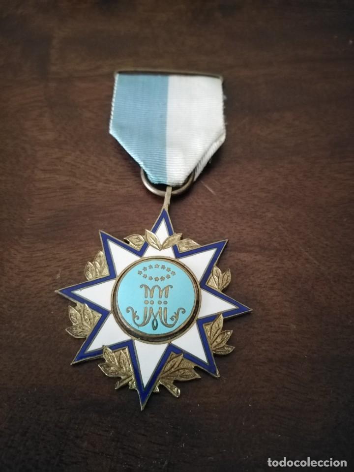 PRECIOSA MEDALLA CONGREGACIÓN MARIANA. ESTRELLA ESMALTADA. (Antigüedades - Religiosas - Medallas Antiguas)