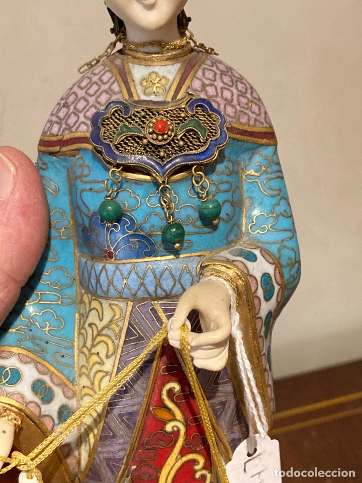 Antigüedades: Preciosa figura oriental de porcelana y esmalte cloissone - Foto 4 - 285147133