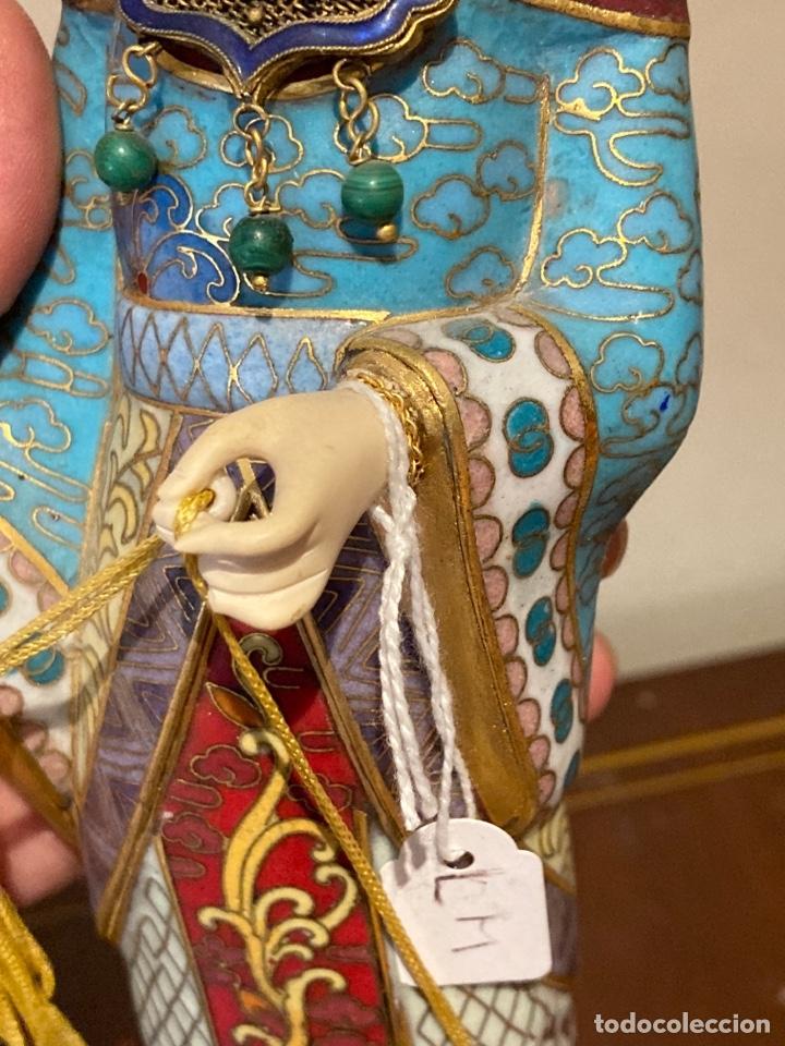 Antigüedades: Preciosa figura oriental de porcelana y esmalte cloissone - Foto 5 - 285147133