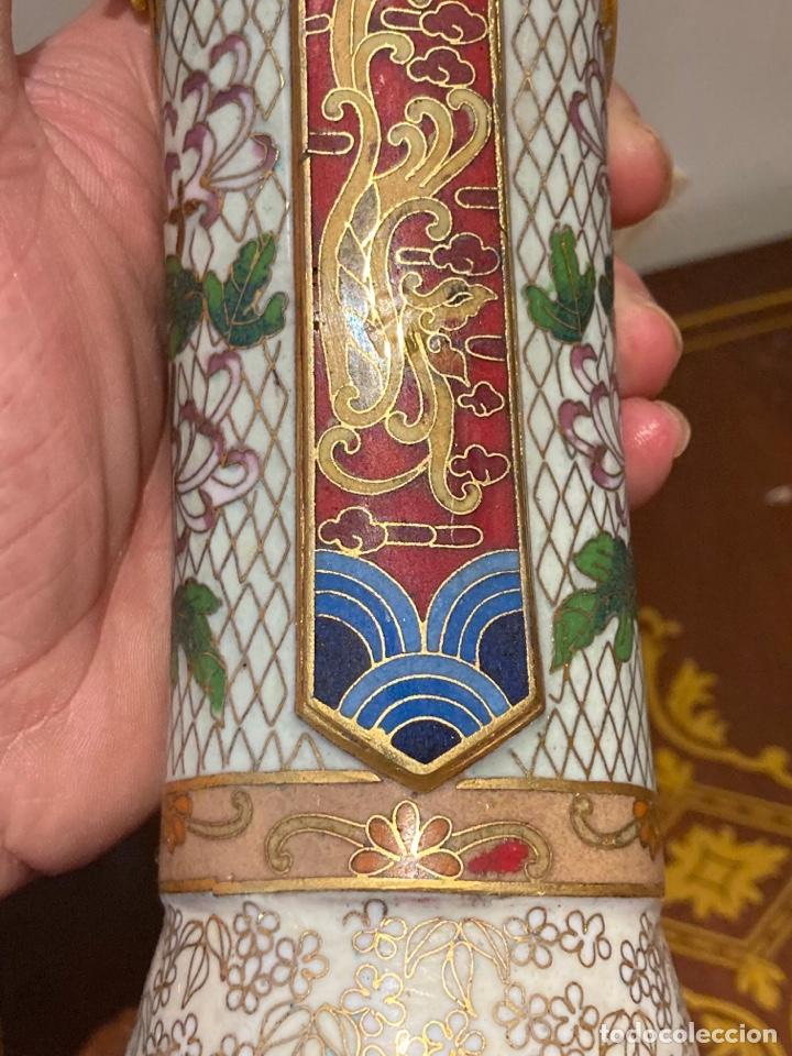 Antigüedades: Preciosa figura oriental de porcelana y esmalte cloissone - Foto 8 - 285147133
