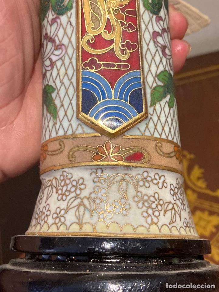 Antigüedades: Preciosa figura oriental de porcelana y esmalte cloissone - Foto 9 - 285147133