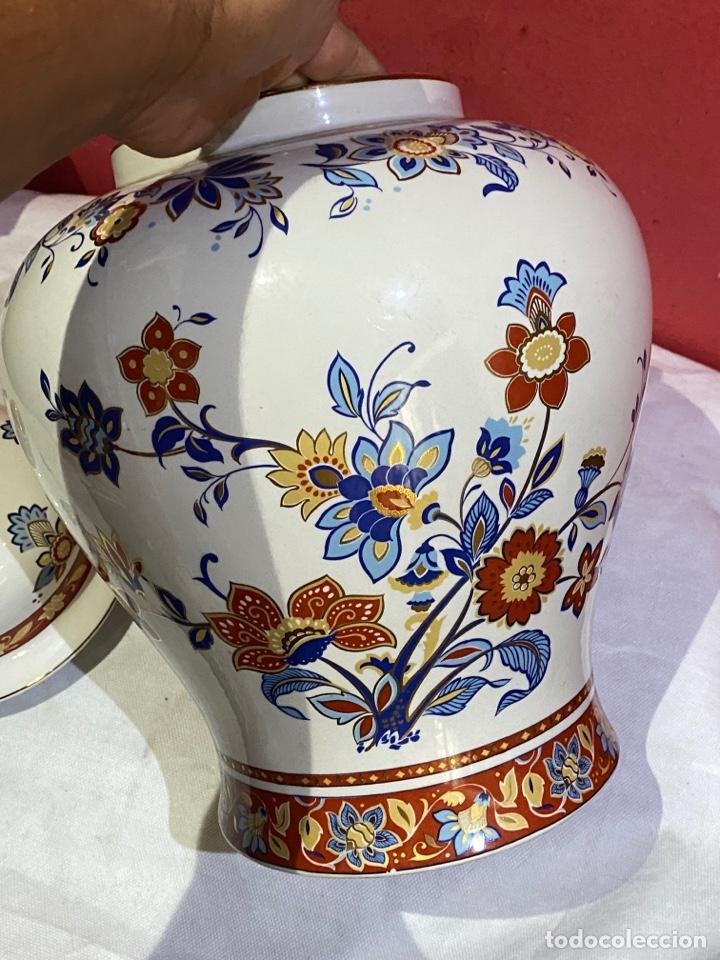 Antigüedades: Antiguo jarron de porcelana con motivos florales. Sellado . Grandes dimensiones - Foto 4 - 285219748