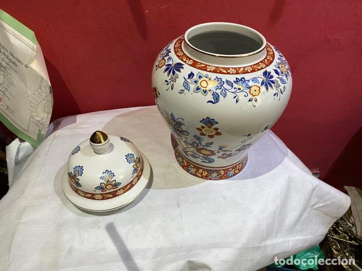 Antigüedades: Antiguo jarron de porcelana con motivos florales. Sellado . Grandes dimensiones - Foto 11 - 285219748