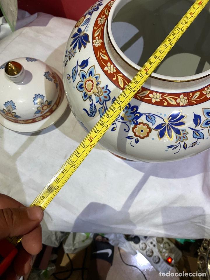 Antigüedades: Antiguo jarron de porcelana con motivos florales. Sellado . Grandes dimensiones - Foto 12 - 285219748