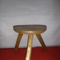 Oggetti Antichi: TABURETE DE ORDEÑO. CABRAS OVEJAS. Lote 285598898