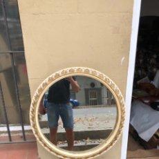 Antigüedades: ANTIGUO ESPEJO MADERA TALLADA RESTAURADO . VER FOTOS 67CM DIAMETRO . VER FOTOS. Lote 285967438