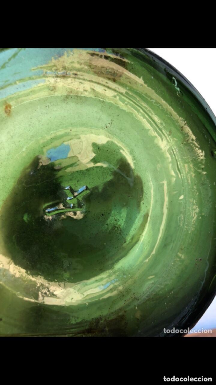 Antigüedades: FRASCA DE CRISTAL DE PERFUME . Marcada 4 en la base . Ver fotos - Foto 3 - 285991018