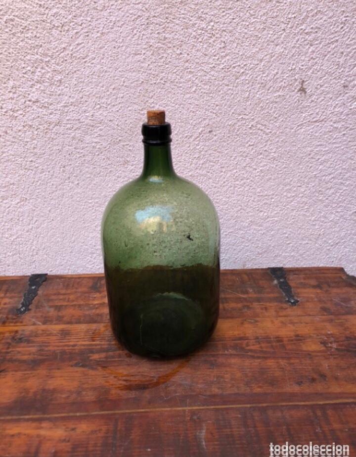 FRASCA DE CRISTAL DE PERFUME . MARCADA 4 EN LA BASE . VER FOTOS (Antigüedades - Cristal y Vidrio - Otros)