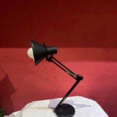 Oggetti Antichi: LÁMPARA FLEXO ANTIGUA FACE DE MESA EN NEGRO DISEÑO ARQUITECTO. Lote 286056128