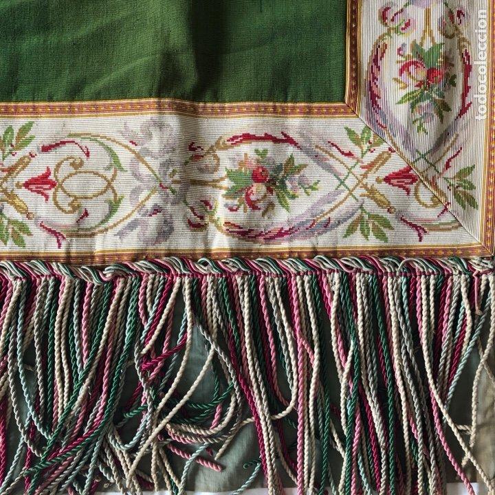 Antigüedades: Excepcional pareja de cortinas en otoman con agreman bordado de canutillo y flecos - Foto 2 - 286064648