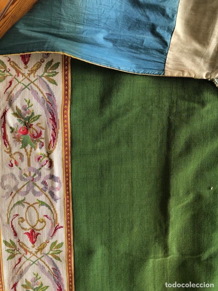 Antigüedades: Excepcional pareja de cortinas en otoman con agreman bordado de canutillo y flecos - Foto 5 - 286064648