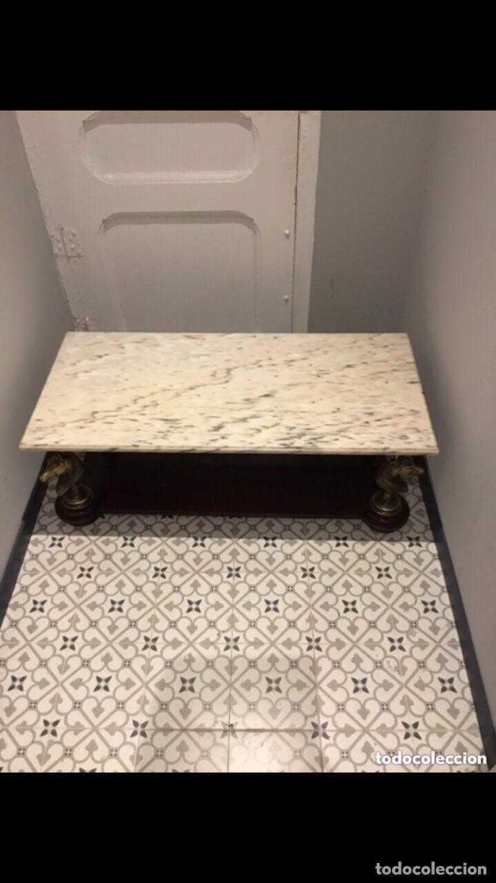 Antigüedades: Antigua mesa de centro en bronce mármol y madera .preciosa.ver fotos - Foto 6 - 286156088