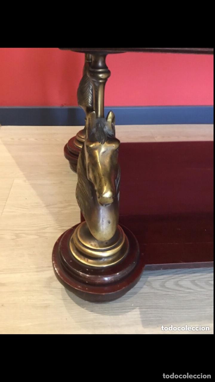 Antigüedades: Antigua mesa de centro en bronce mármol y madera .preciosa.ver fotos - Foto 11 - 286156088