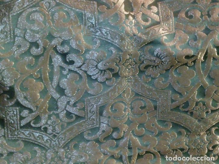 Antigüedades: ~~~~ PIEZA DE SEDA EN MUY FINO TONO VERDE BORDADA EN ORO, ORNAMENTACIONES, MIDE 200 X 142 CM. ~~~~ - Foto 12 - 286251848