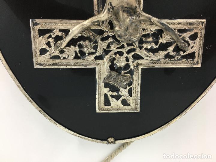 Antigüedades: Cristo crucificado con baño de plata - cruz troquelada en varias piezas 23x31 cm - Foto 9 - 286360003
