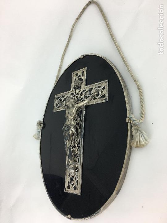 Antigüedades: Cristo crucificado con baño de plata - cruz troquelada en varias piezas 23x31 cm - Foto 12 - 286360003
