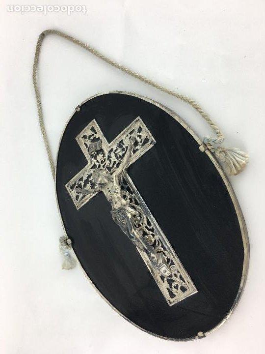 CRISTO CRUCIFICADO CON BAÑO DE PLATA - CRUZ TROQUELADA EN VARIAS PIEZAS 23X31 CM (Antigüedades - Religiosas - Crucifijos Antiguos)