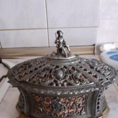 Antigüedades: ANTIGUO JOYERO METAL REPUJADO SIGLO XIX, GRANDE, VER FOTOS Y DESCRIPCION... Lote 286372253