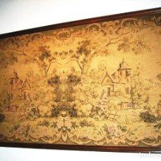 Antigüedades: TAPIZ PAISAJE CON CASTILLOS ENTRE ARBOLEDA, MOTIVO SIMÉTRICO MUY ORIGINAL. Lote 286377133