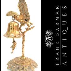 Antigüedades: ESCULTURA DE AGUILA, CAMPANA Y MONO EN BRONCE - ENVÍO GRATIS PENÍNSULA. Lote 286658618