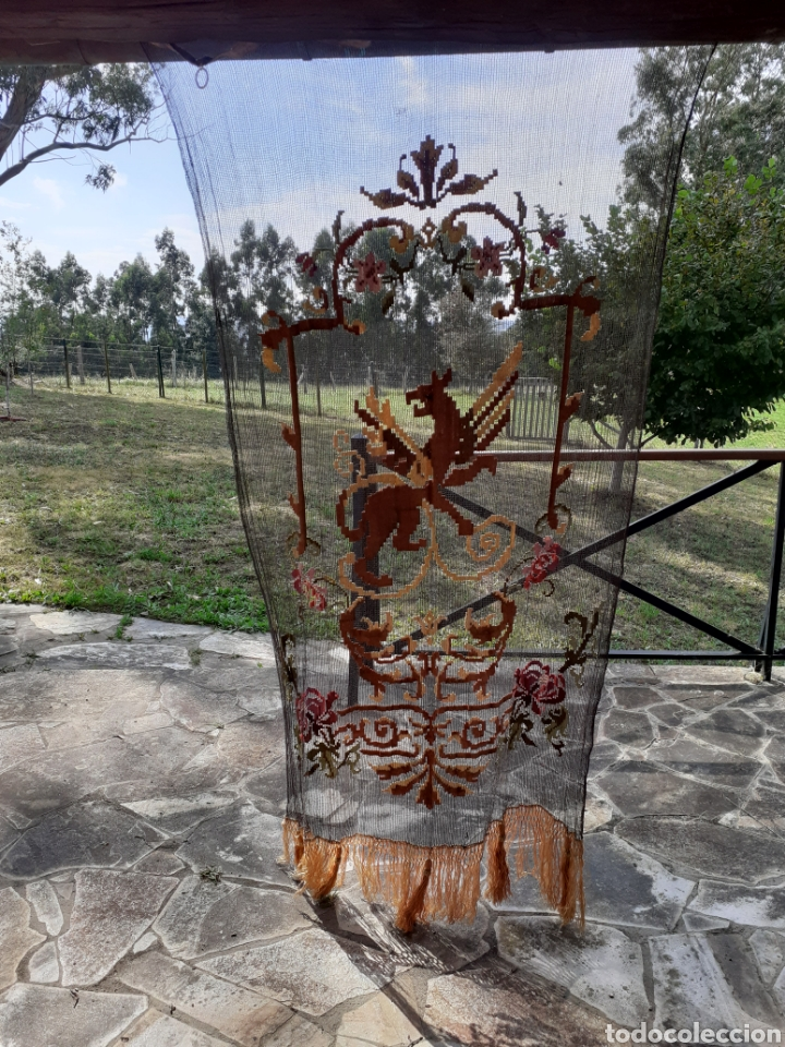 Antigüedades: PRECIOSA CORTINA BORDADA A MANO PETIT POINT - GRIFO - SIGLO XIX - Foto 7 - 286716703