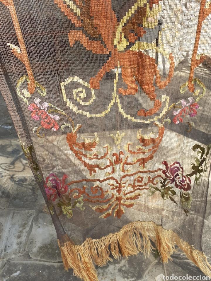 Antigüedades: PRECIOSA CORTINA BORDADA A MANO PETIT POINT - GRIFO - SIGLO XIX - Foto 12 - 286716703