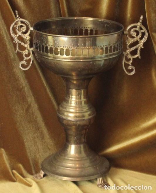 ANTIGUO MACETERO, LATÓN, 48 CM DE ALTURA (Antigüedades - Hogar y Decoración - Maceteros Antiguos)