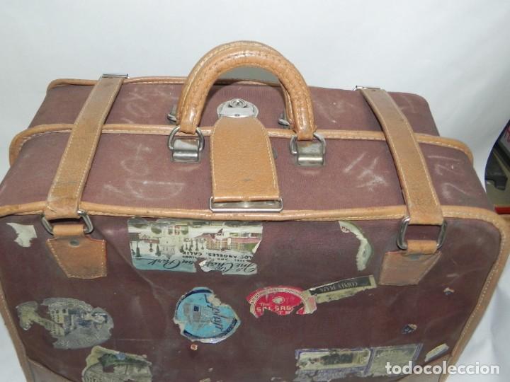 Antigüedades: Excelente maleta portatrajes porta trajes, realizado en piel, tal y como se ve en las fotografias pu - Foto 2 - 286772328