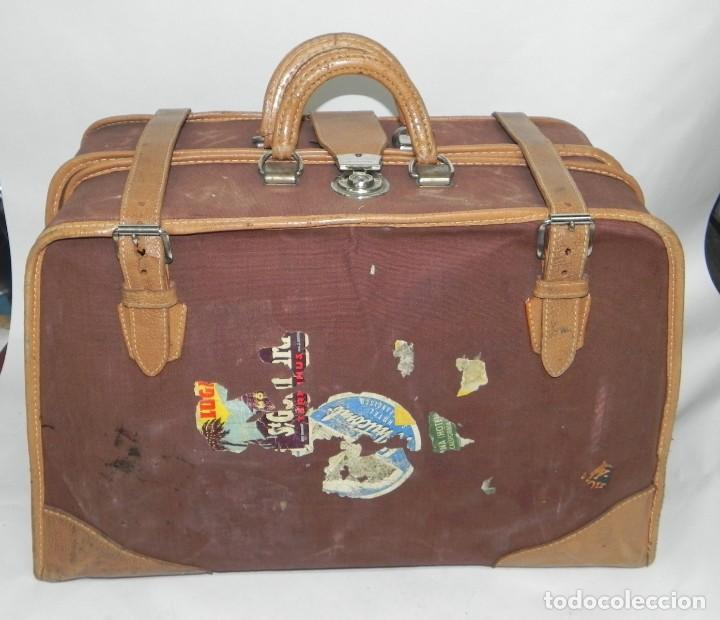 Antigüedades: Excelente maleta portatrajes porta trajes, realizado en piel, tal y como se ve en las fotografias pu - Foto 3 - 286772328