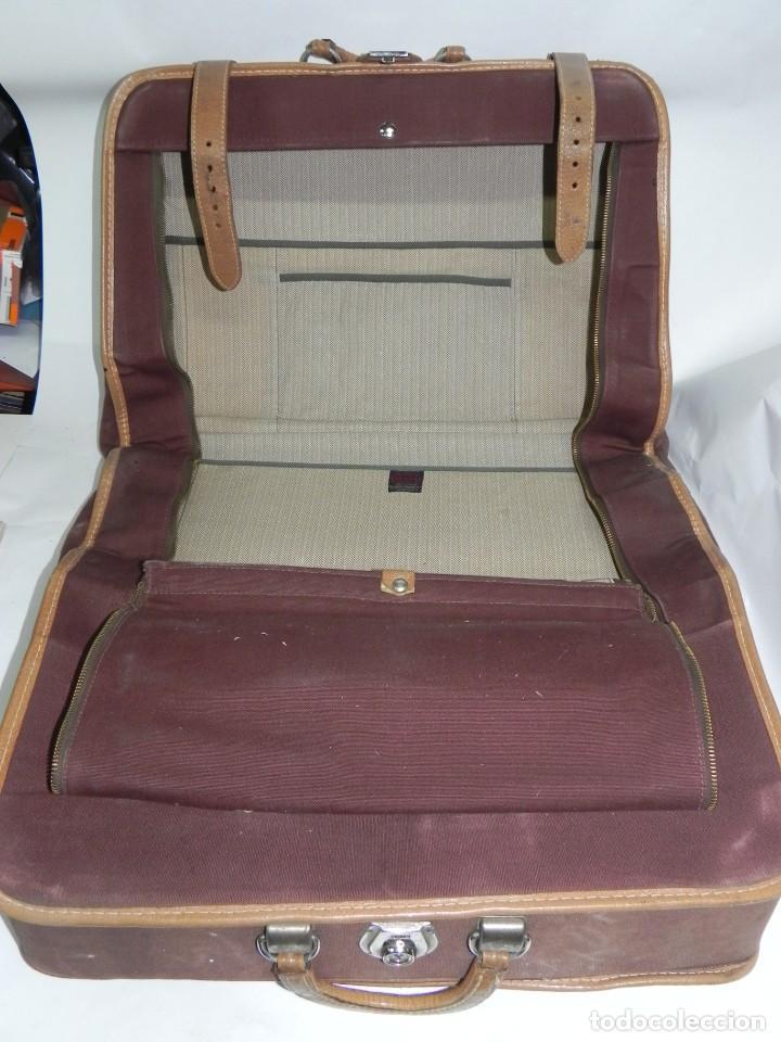 Antigüedades: Excelente maleta portatrajes porta trajes, realizado en piel, tal y como se ve en las fotografias pu - Foto 7 - 286772328