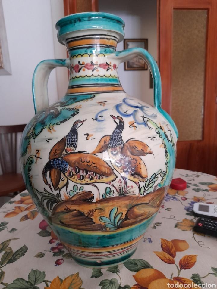 Antigüedades: Magnífico cántaro de cerámica de Puente del Arzobispo, de 44cm de altura - Foto 2 - 286782653