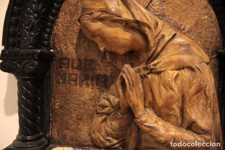 Antigüedades: Antiguo retablo con benditera, virgen, ave maria. Albacete 1931. 65x53cm - Foto 3 - 286831368