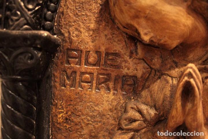 Antigüedades: Antiguo retablo con benditera, virgen, ave maria. Albacete 1931. 65x53cm - Foto 6 - 286831368